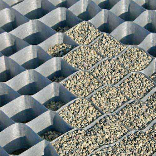 Dupont Ground Grid reduces gravel migration on roadbase