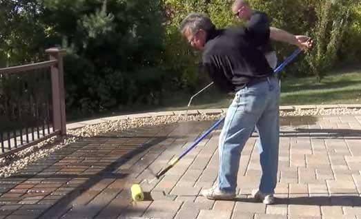 Applying a paver sealant